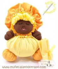 Black cloth doll the yellow Buñuela - 23 cms