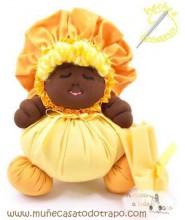 La Buñuela Amarilla - Muñeca de trapo negra - 23 cms