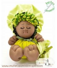 La Buñuela Verde Bigfoot - Muñeca de trapo negra - 23 cm