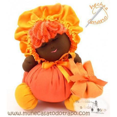 La Buñuela Naranja - Muñeca de trapo negra - 23 cm