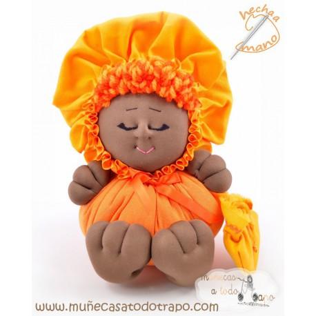 La Buñuela Naranja Bigfoot - Muñeca de trapo negra - 23 cm